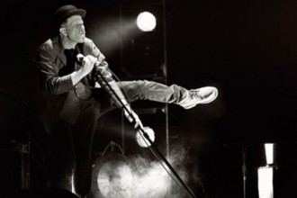 tom-waits-at-the-fabulous-fox-theatre-june-26-2008-st-louis.2298016.87