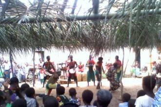 Groupe de percussion Kpalimé PRESENTATION CENTRE DES HOMMES