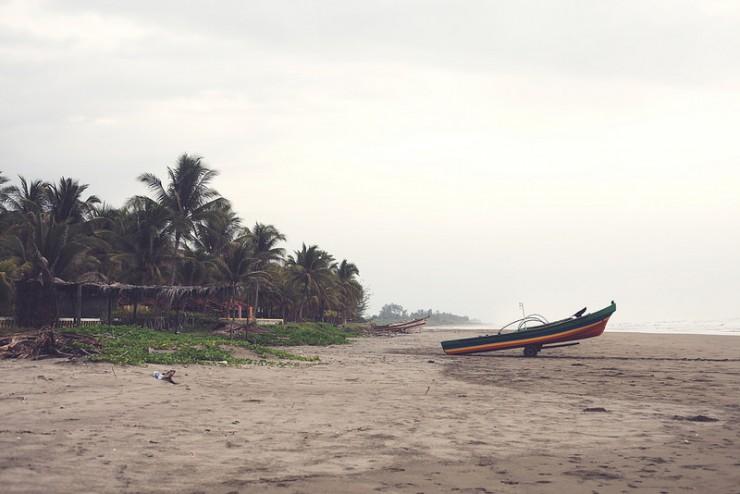 EQ~boat_beach